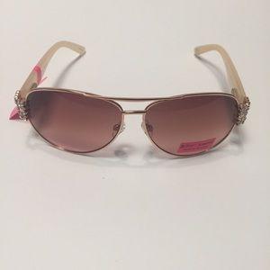 🍁Betsey Johnson Sunglasses